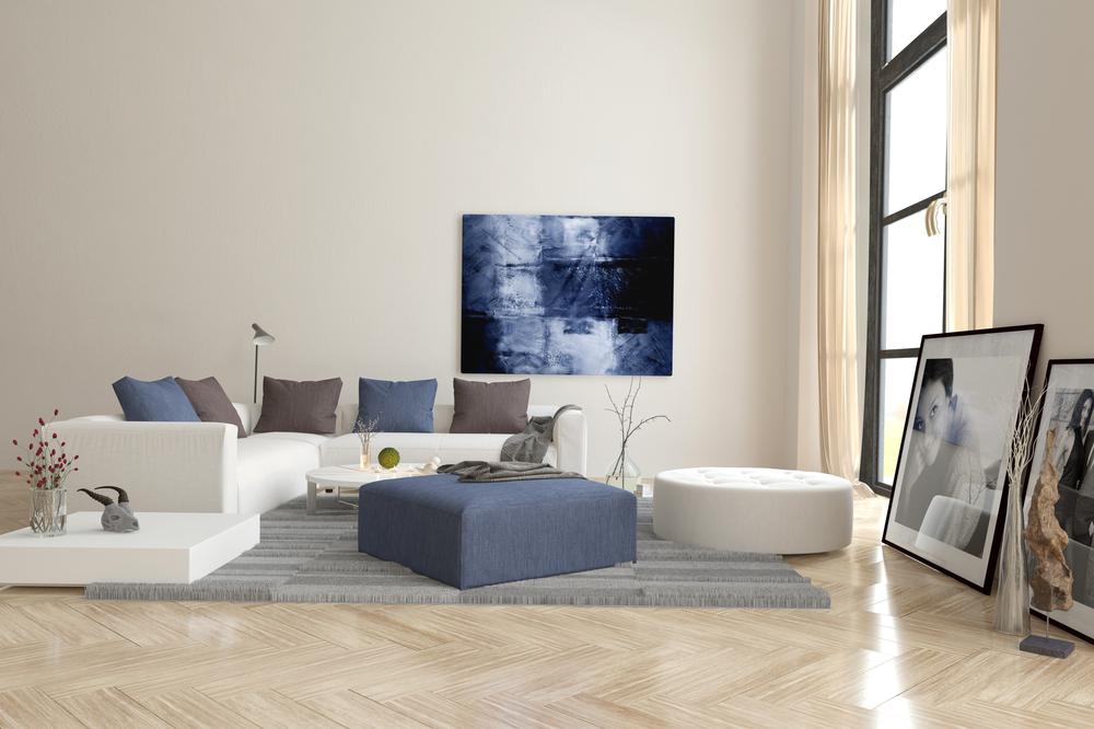 L'agencement des meubles dans un salon rectangulaire